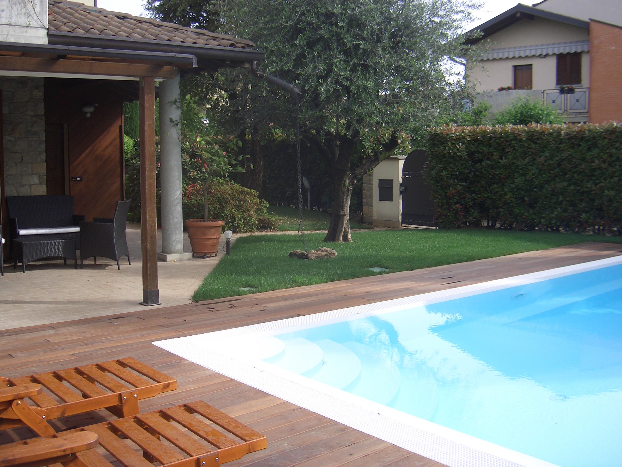 Villa con giardino e piscina treviolo bg - Progetto villa con piscina ...